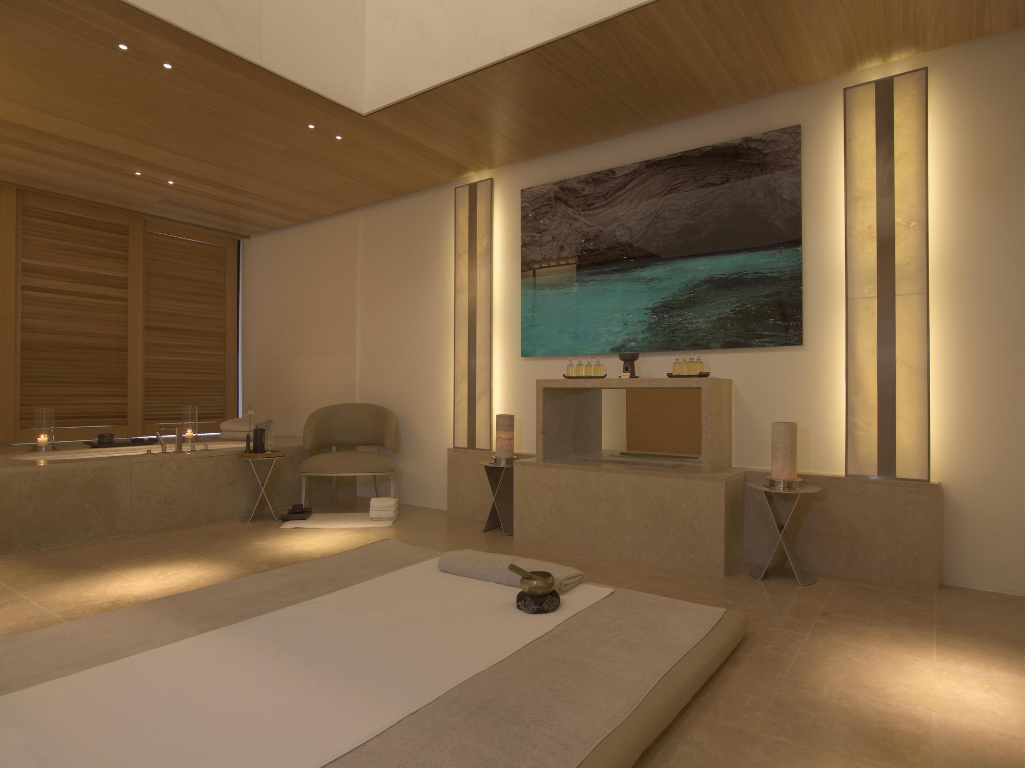 RS633_Amanzoe - Aman Spa Treatment Room-lpr